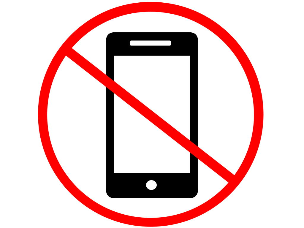Kids DO NOT need a mobile phone in school