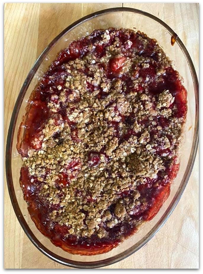 Gluten-free strawberry crumble